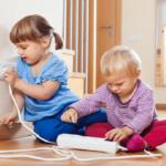 Electricidad en casa: Cómo prevenir accidentes y elegir la potencia contratada adecuada